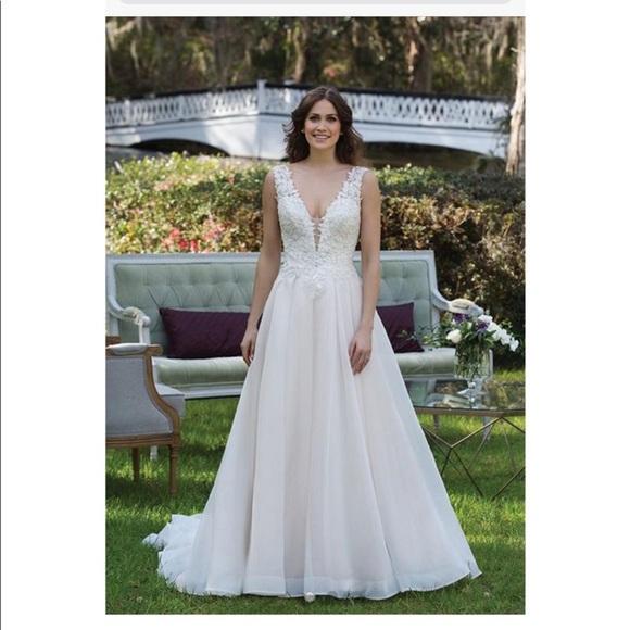 Size 12 Wedding Dresses